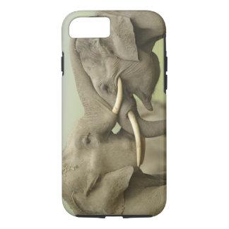 Coque iPhone 7 Éléphants indiens/asiatiques jouent le combat,