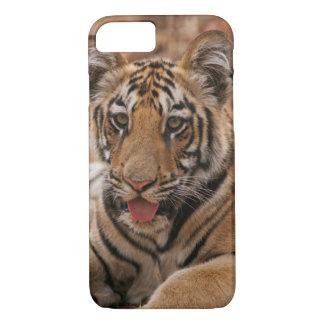 Coque iPhone 7 Jeunes un de tigre de Bengale royal