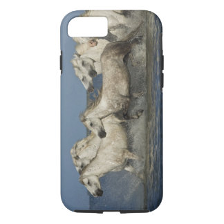 Coque iPhone 7 La France, Camargue. Chevaux courus par l'estuaire