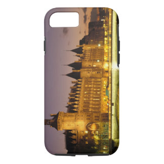 Coque iPhone 7 La France, Paris, Conciergerie et rivière la Seine