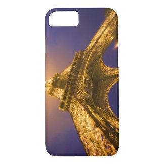 Coque iPhone 7 La France, Paris. Recherche de la base d'Eiffel