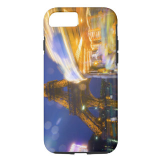 Coque iPhone 7 La France, Paris. Tour Eiffel en brouillard
