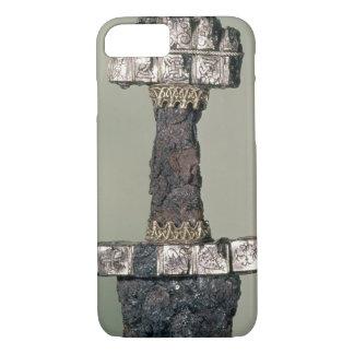Coque iPhone 7 La poignée d'une épée de Viking a trouvé chez