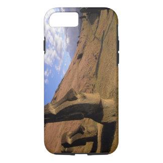 Coque iPhone 7 Le Chili, île de Pâques. Hillside avec Moai