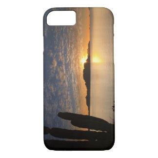 Coque iPhone 7 Le lever de soleil au-dessus d'Isla Danzante dans
