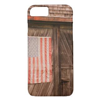 Coque iPhone 7 Le Maine, drapeau américain fané sur la porte de