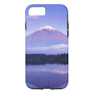 Coque iPhone 7 Le mont Fuji avec le nuage lenticulaire, lac