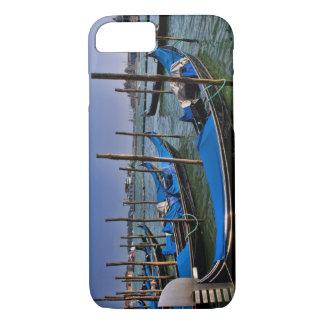 Coque iPhone 7 L'eau de canal grand avec des bateaux de gondalo