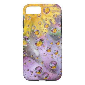 Coque iPhone 7 Les bulles soustraient avec des fleurs. Crédit