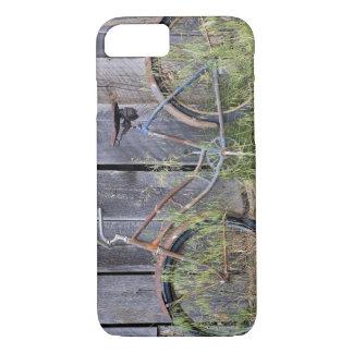 Coque iPhone 7 Les Etats-Unis, Orégon, courbure. Un vieux vélo