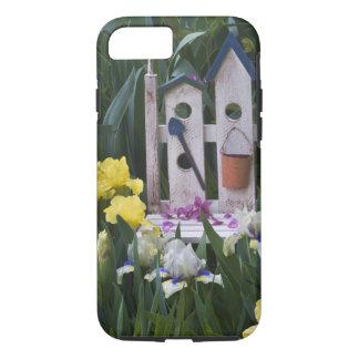 Coque iPhone 7 Les Etats-Unis, Pennsylvanie. Les iris de jardin