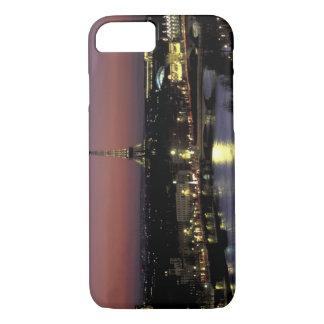Coque iPhone 7 L'Europe, France, Paris, vue de coucher du soleil