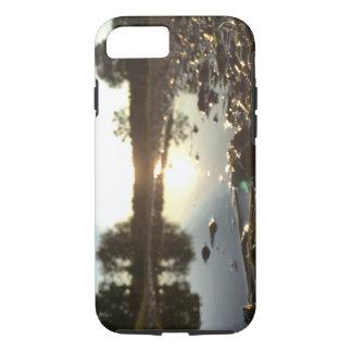 Coque iPhone 7 Lever de soleil dans un magma