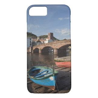 Coque iPhone 7 L'Italie, Sardaigne, Bosa. Vue de ville le long de