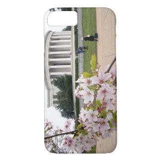 Coque iPhone 7 Mémorial de Thomas Jefferson avec des fleurs de