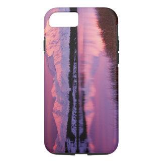 Coque iPhone 7 Mt. Denali au coucher du soleil de l'étang de