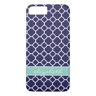 Coque iPhone 7 Plus Bleu marine et monogramme de coutume de Quatrefoil