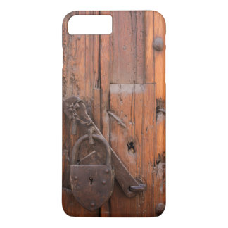 Coque iPhone 7 Plus Cadenas sur la porte en bois