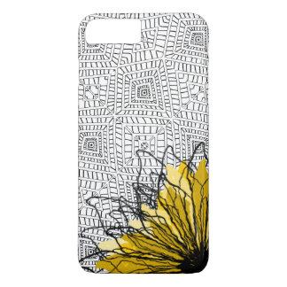 Coque iPhone 7 Plus Carrés tribaux et fleur jaune