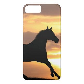 Coque iPhone 7 Plus Cheval dans le coucher du soleil