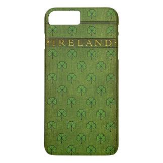Coque iPhone 7 Plus Couverture de vieux livre de shamrock de l'Irlande