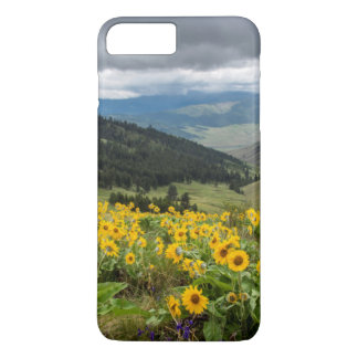 Coque iPhone 7 Plus Fleurs sauvages de ressort dans les collines