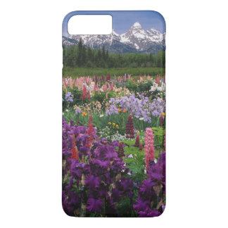 Coque iPhone 7 Plus Iris et jardin de loup et chaîne de Teton,