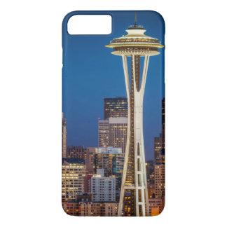 Coque iPhone 7 Plus Le crépuscule couvre l'aiguille et le centre ville
