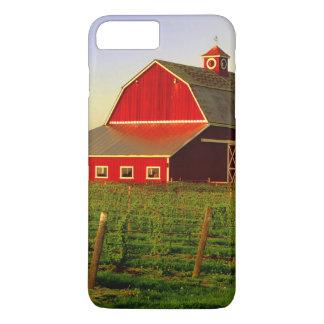 Coque iPhone 7 Plus Le soleil de soirée sur une grange dans Skagit de