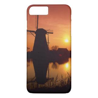 Coque iPhone 7 Plus Moulins à vent au coucher du soleil, Kinderdijk,