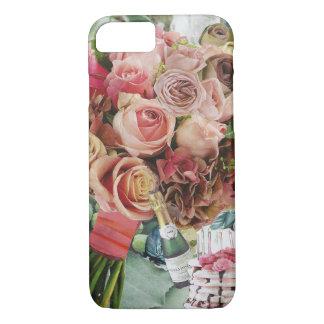 Coque iPhone 7 Roses de corail sur le vert brumeux