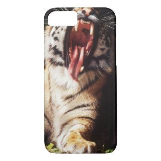 Coque iPhone 7 Tigre avec la bouche ouverte