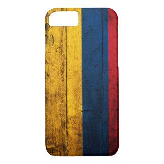 Coque iPhone 7 Vieux drapeau en bois de la Colombie