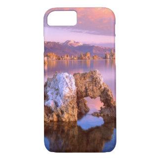 Coque iPhone 7 Voûte de tuf au lac mono