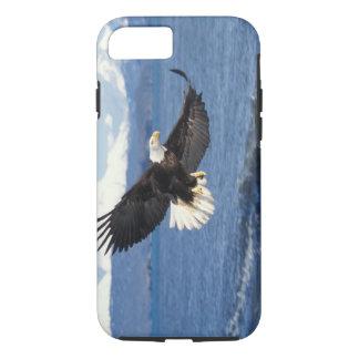 Coque iPhone 8/7 aigle chauve, leuccocephalus de Haliaeetus, en vol