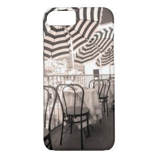Coque iPhone 8/7 Balcon étrange de restaurant, Italie