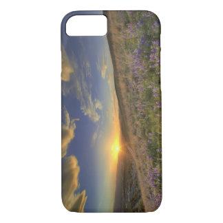 Coque iPhone 8/7 Coucher du soleil au-dessus des montagnes de