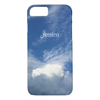 Coque iPhone 8/7 Gros nuages magnifiques dans un ciel bleu et