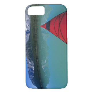 Coque iPhone 8/7 Kayaking sur le lac waterfowl au-dessous de la