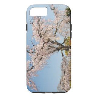 Coque iPhone 8/7 Le Japon, Kyoto. Cerisier pleurant sous le ciel