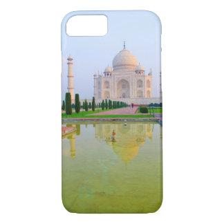 Coque iPhone 8/7 Le Taj Mahal de renommée mondiale paisible