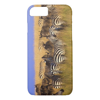 Coque iPhone 8/7 Les zèbres et le gnou de Burchell en été grand