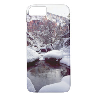 Coque iPhone 8/7 Neige profonde aux piscines vertes moyennes