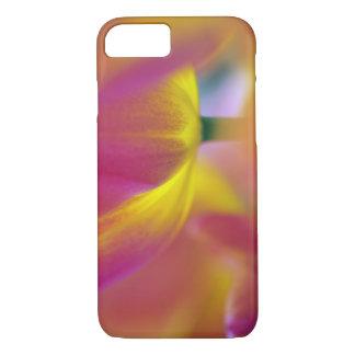 Coque iPhone 8/7 Plan rapproché du dessous de la fleur de tulipe,