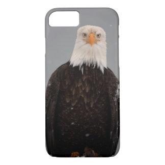 Coque iPhone 8/7 Portrait d'Eagle chauve dans la neige, Haliaeetus