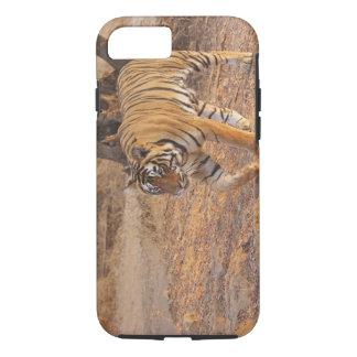 Coque iPhone 8/7 Tigre de Bengale royal sur le mouvement,
