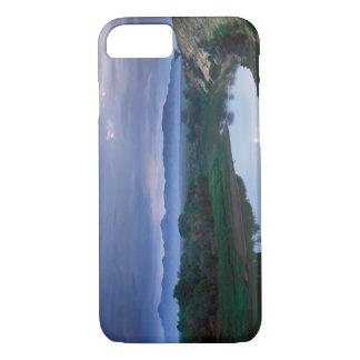 Coque iPhone 8/7 Un matin orageux, avec les nuages menaçants