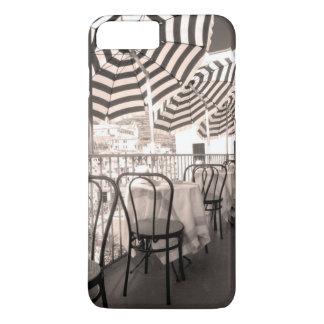 Coque iPhone 8 Plus/7 Plus Balcon étrange de restaurant, Italie