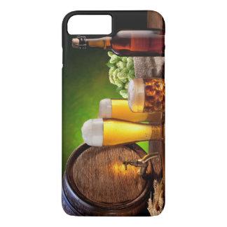 Coque iPhone 8 Plus/7 Plus Baril de bière avec des verres de bière sur une