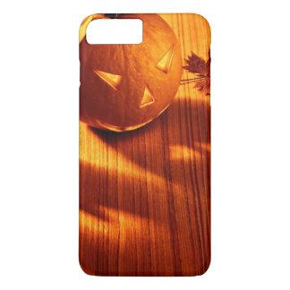 Coque iPhone 8 Plus/7 Plus Frontière rougeoyante de citrouilles de Halloween